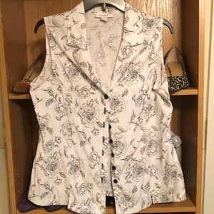 Dressbarn sleeveless button up blouse